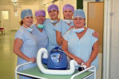 V Nemocnici Valašské Meziříčí zahřívají pacienty pomocí nového přístroje