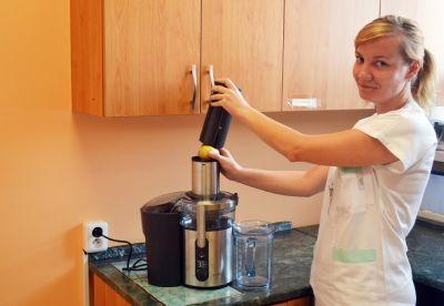 Čerstvé ovocné a zeleninové šťávy si nyní užívají pacienti následné péče Nemocnice Valašské Meziříčí