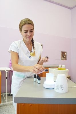 Nemocnice Valašské Meziříčí nabízí maminkám aromaterapii v těhotenství, při porodu i v období šestinedělí