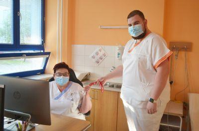 Situaci jsme nepodceňovali, ale také jsme se úzkostlivě nebáli, říkají zdravotníci z Nemocnice Valašské Meziříčí