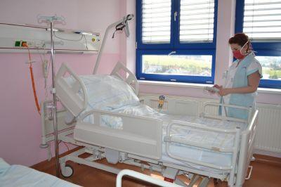 Další dodávku nových lůžek obdržela Nemocnice AGEL Valašské Meziříčí a pomalu tak dokončuje obměnu lůžkového fondu
