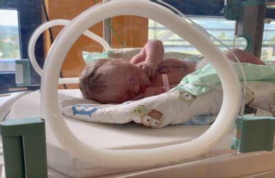 Novorozenecké oddělení nabízí maminkám doprovod děťátka ke všem screeningovým vyšetřením