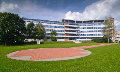 Lékaři v Nemocnici AGEL Valašské Meziříčí ošetří denně desítky letních úrazů. Za pouhé dva měsíce se sádrou odešlo z nemocnice přes 300 pacientů